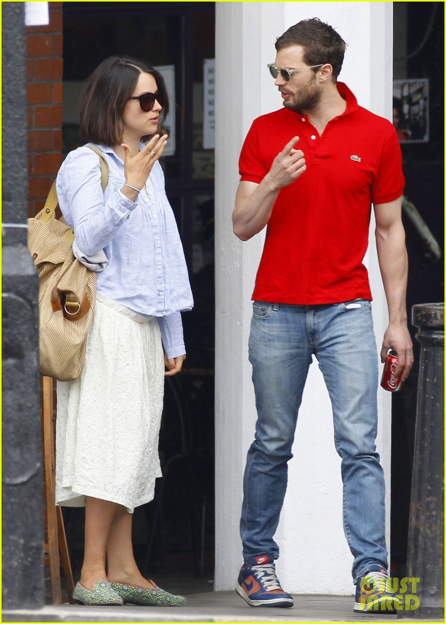 jamie dornan treats his wife to lunch in london 09
