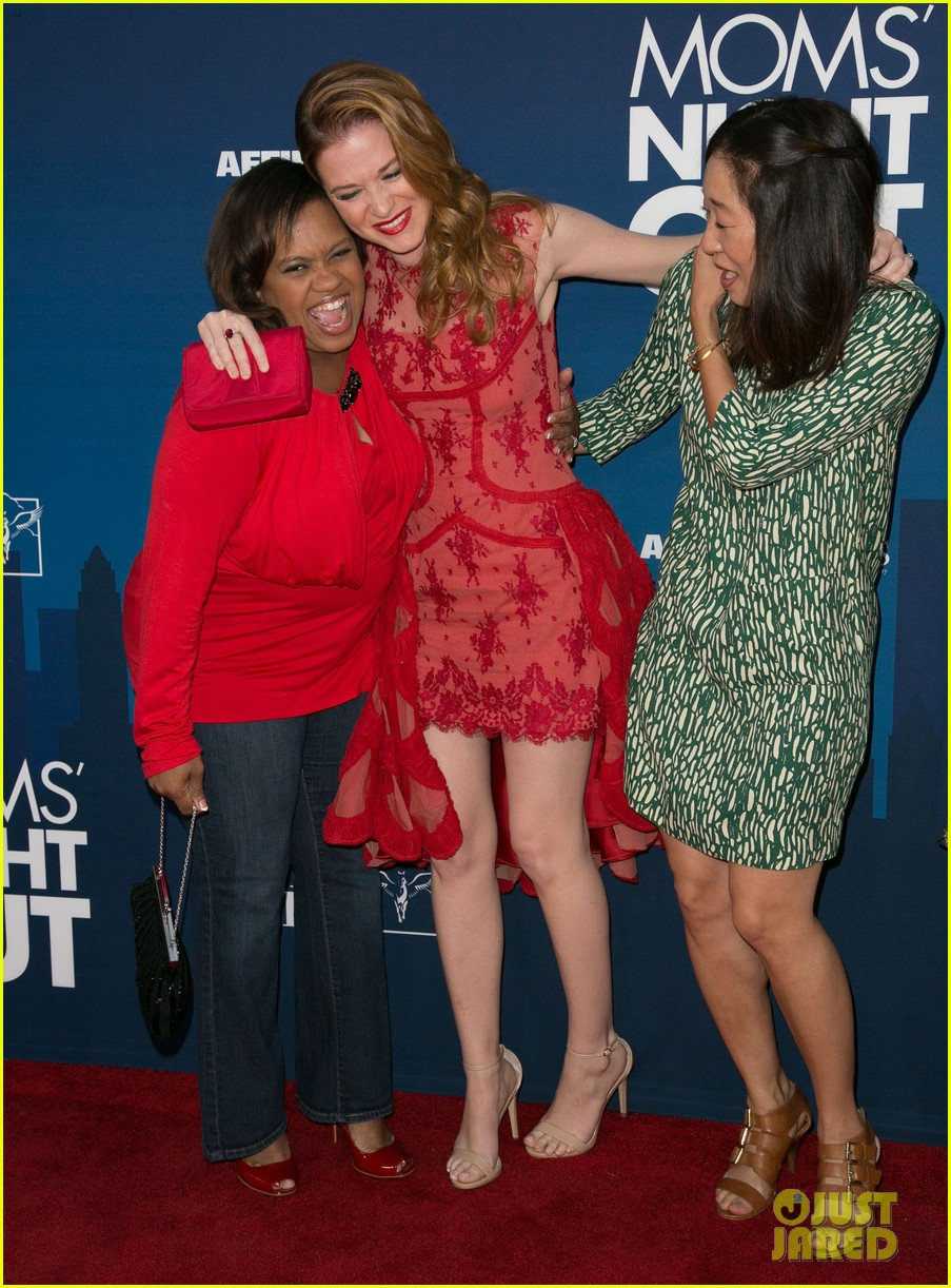 greys anatomy cast supports sarah drew at moms night out premiere 05