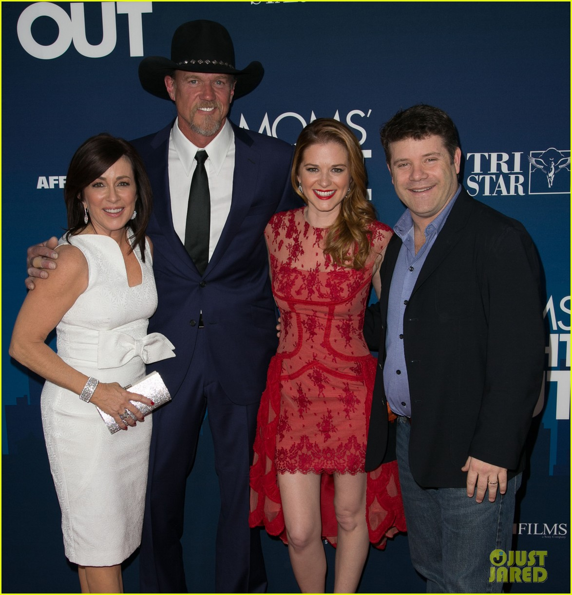 greys anatomy cast supports sarah drew at moms night out premiere 08