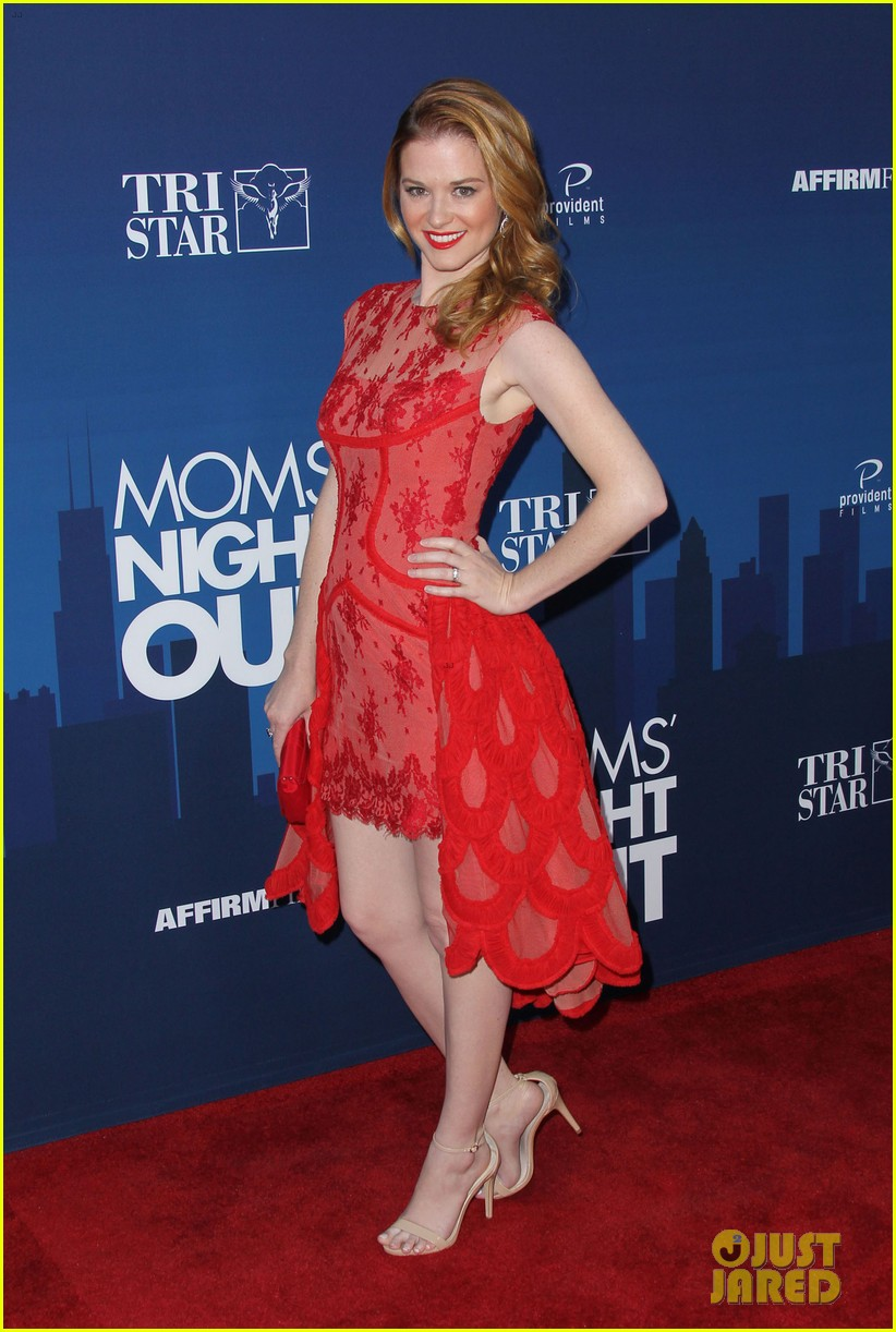 greys anatomy cast supports sarah drew at moms night out premiere 213102283