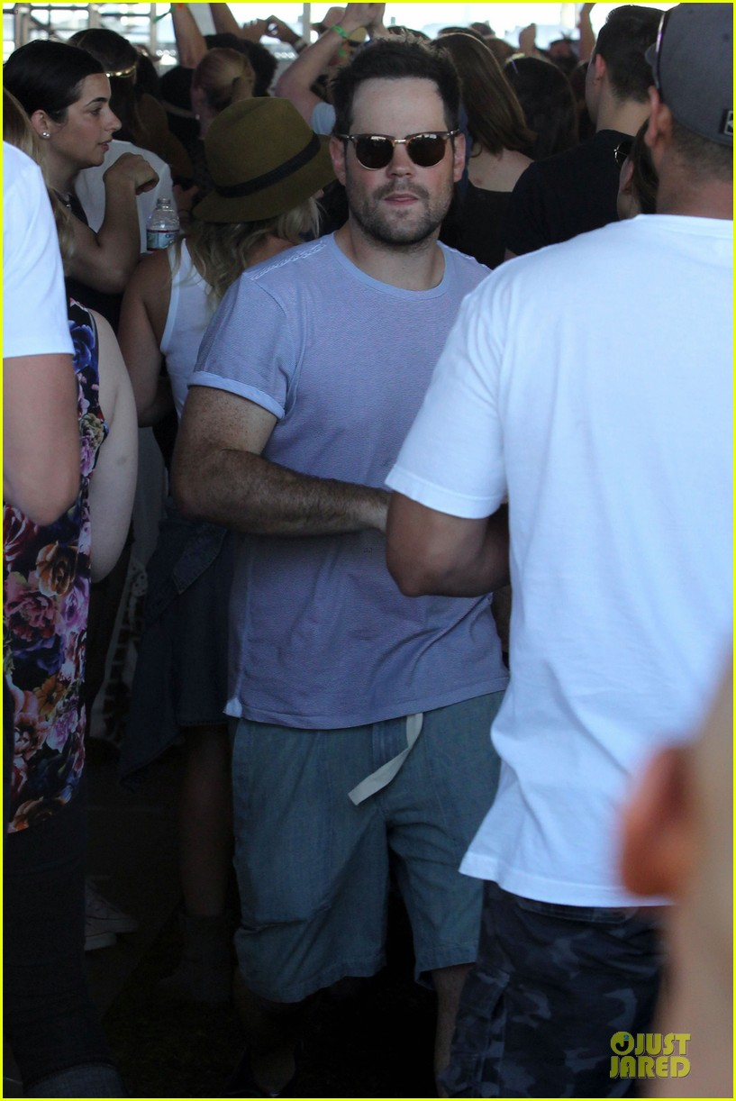 hilary duff mike comrie friendly affair at coachella 123089518