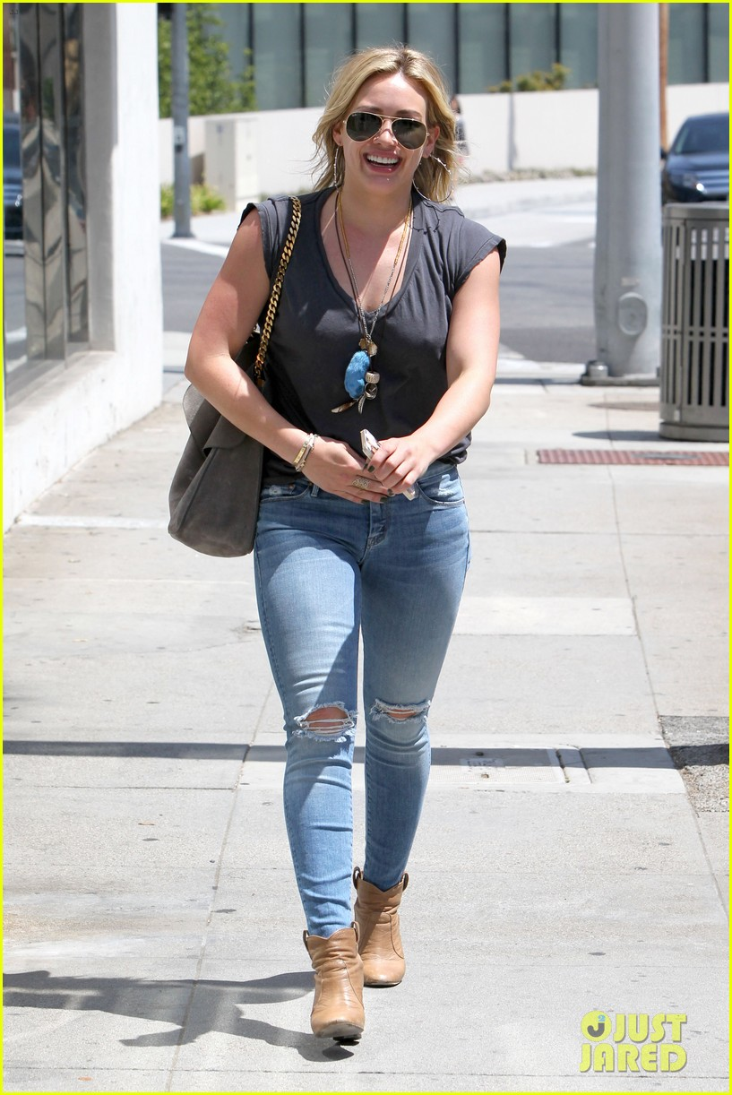 hilary duff treats herself to a vegan dinner at crossroads 043097476