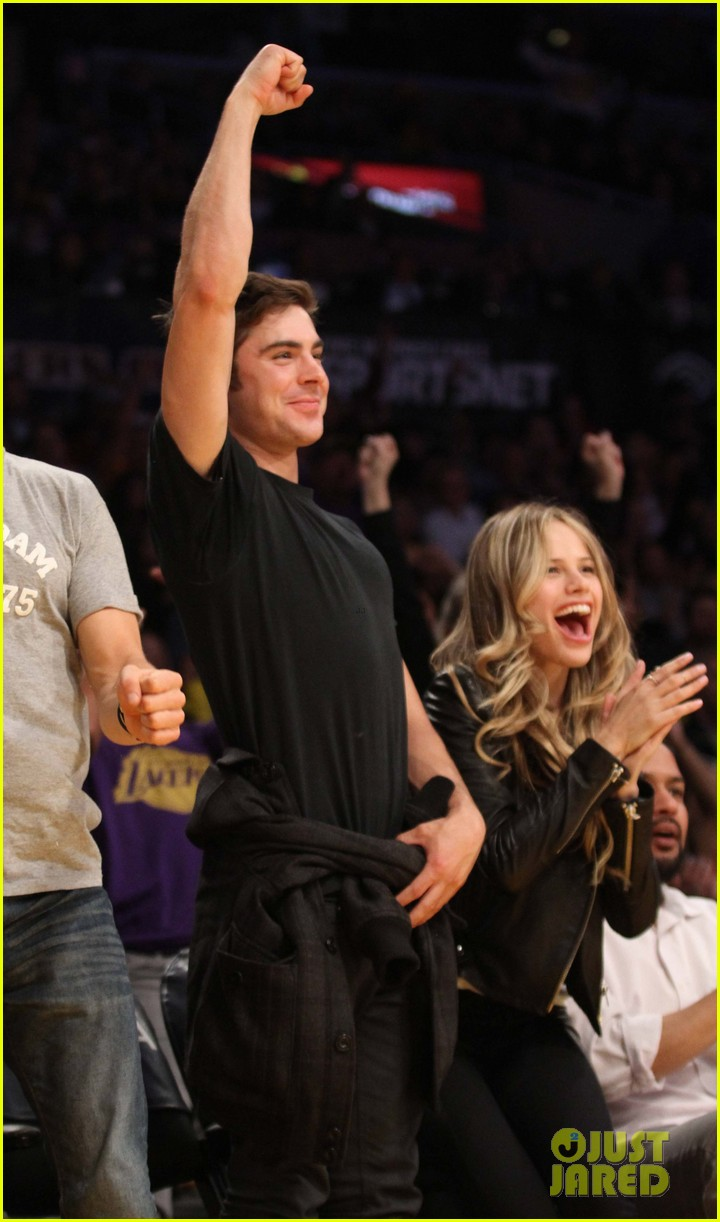 zac efron halston sage lakers game 05