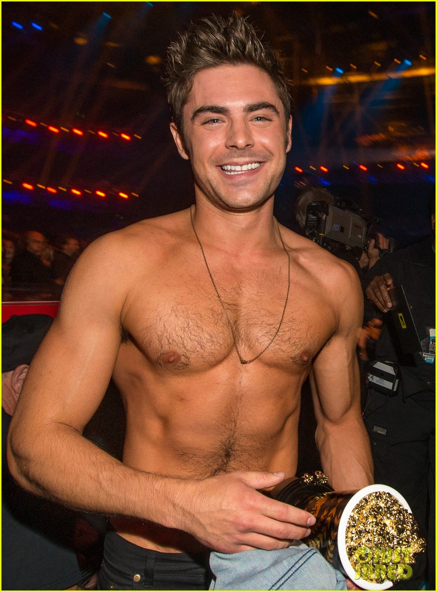 more zac efron shirtless photos mtv movie awards 2014 02