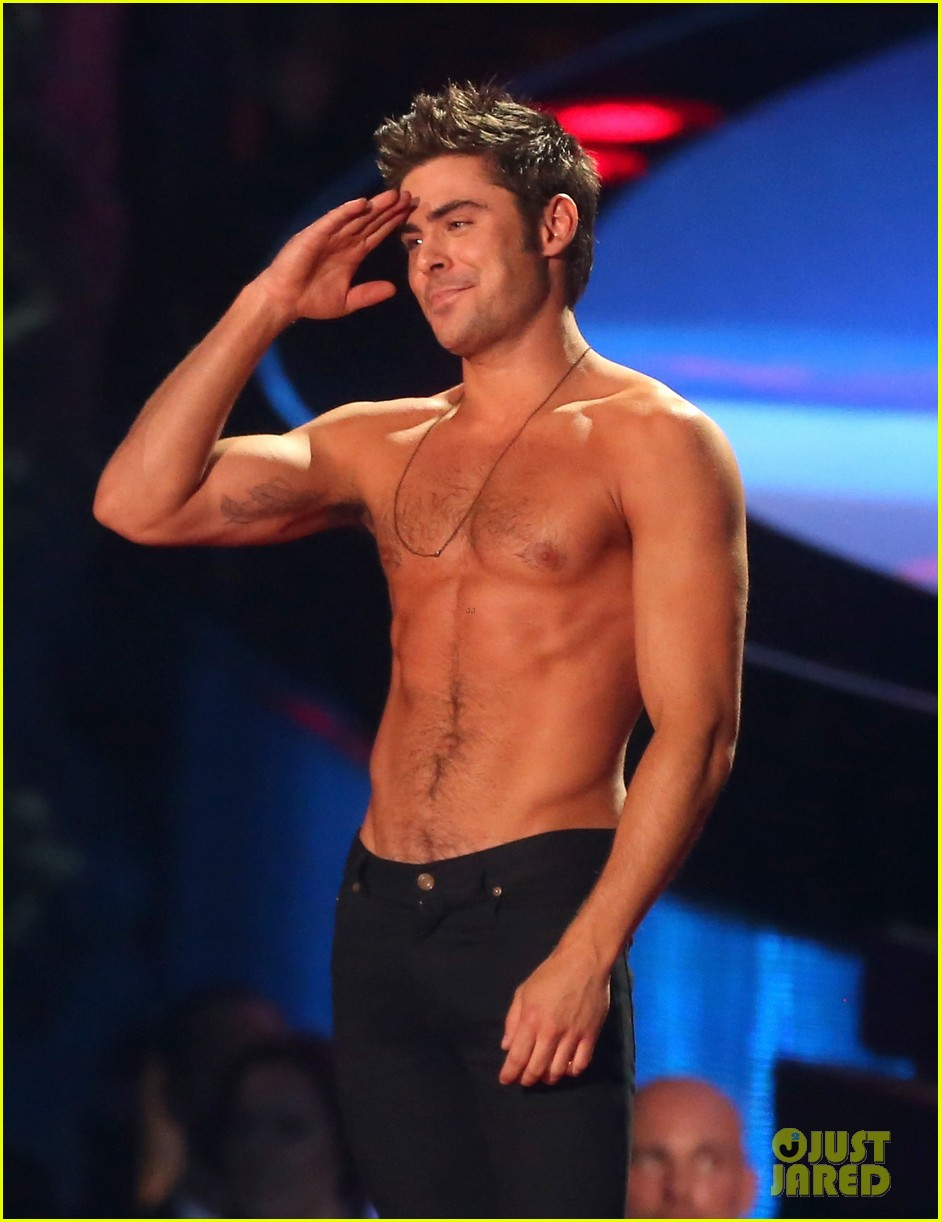 more zac efron shirtless photos mtv movie awards 2014 133091677