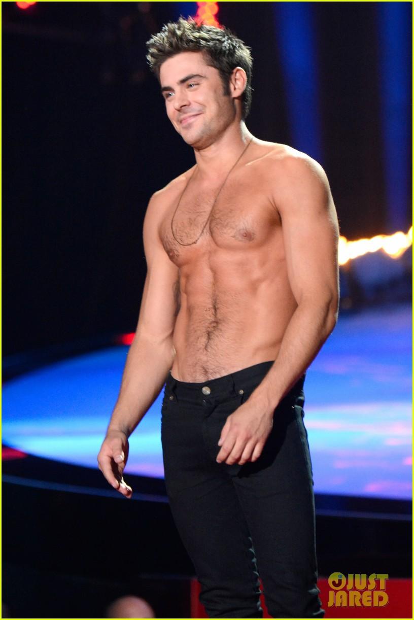 more zac efron shirtless photos mtv movie awards 2014 363091700