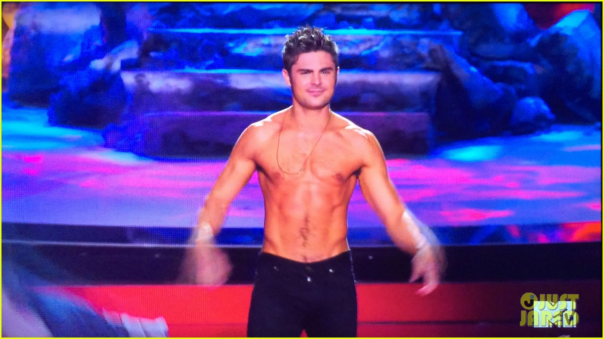 zac efron shirtless mtv movie awards 2014 233091302