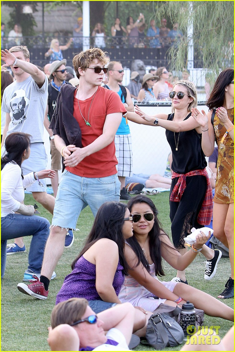 emma roberts evan peters inseparable coachella 2014 05