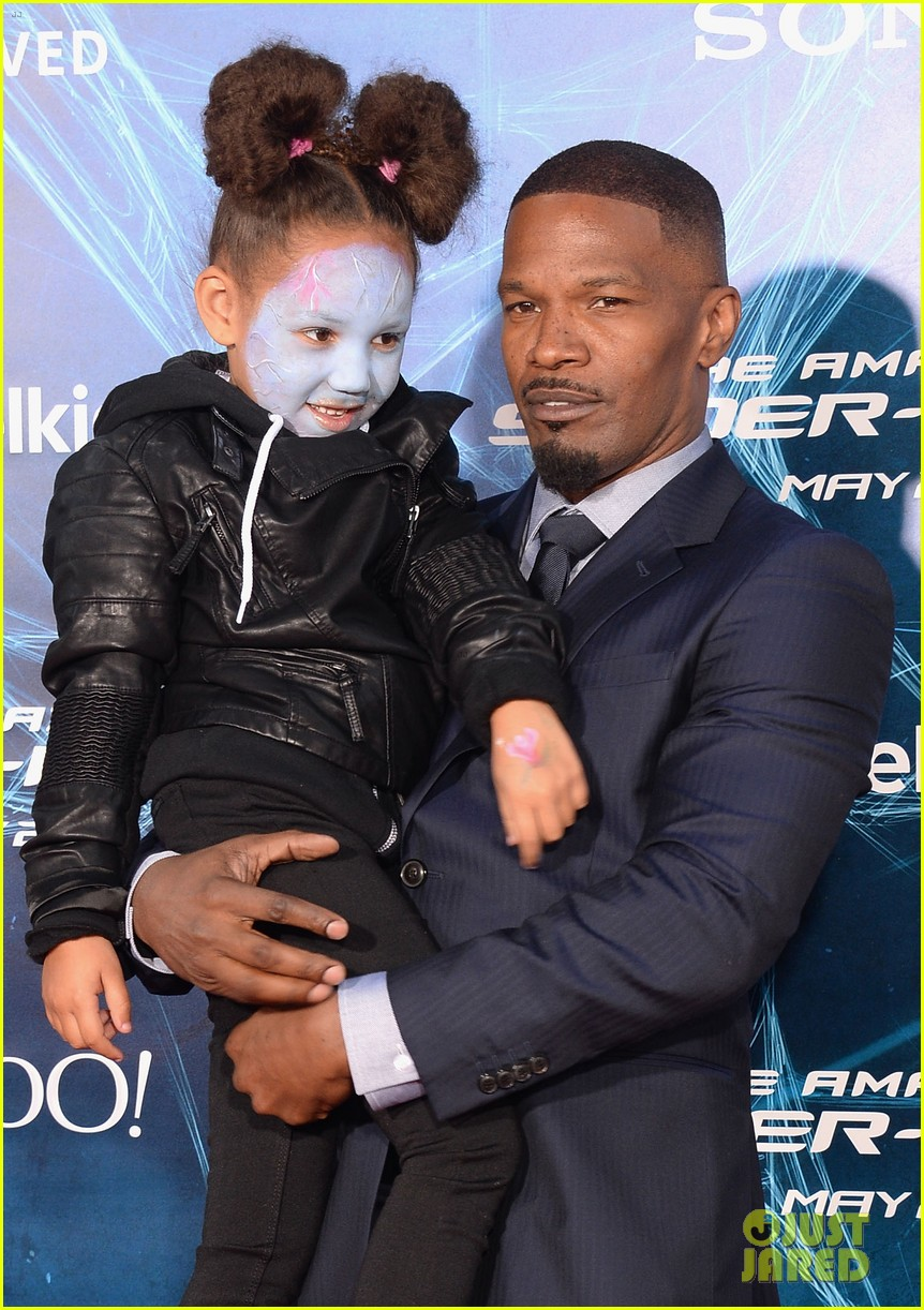 jamie foxx daughter wears electro makeup at amazing spider man 2 premiere 01