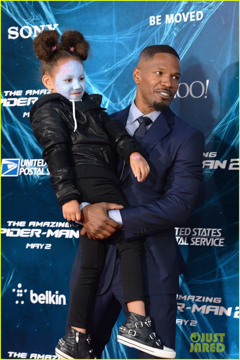 jamie foxx daughter wears electro makeup at amazing spider man 2 premiere 18