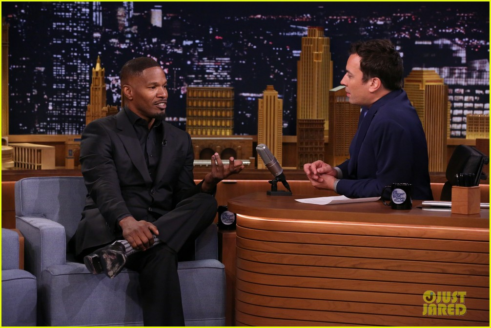 jamie foxx sings unsexy words song watch now 08