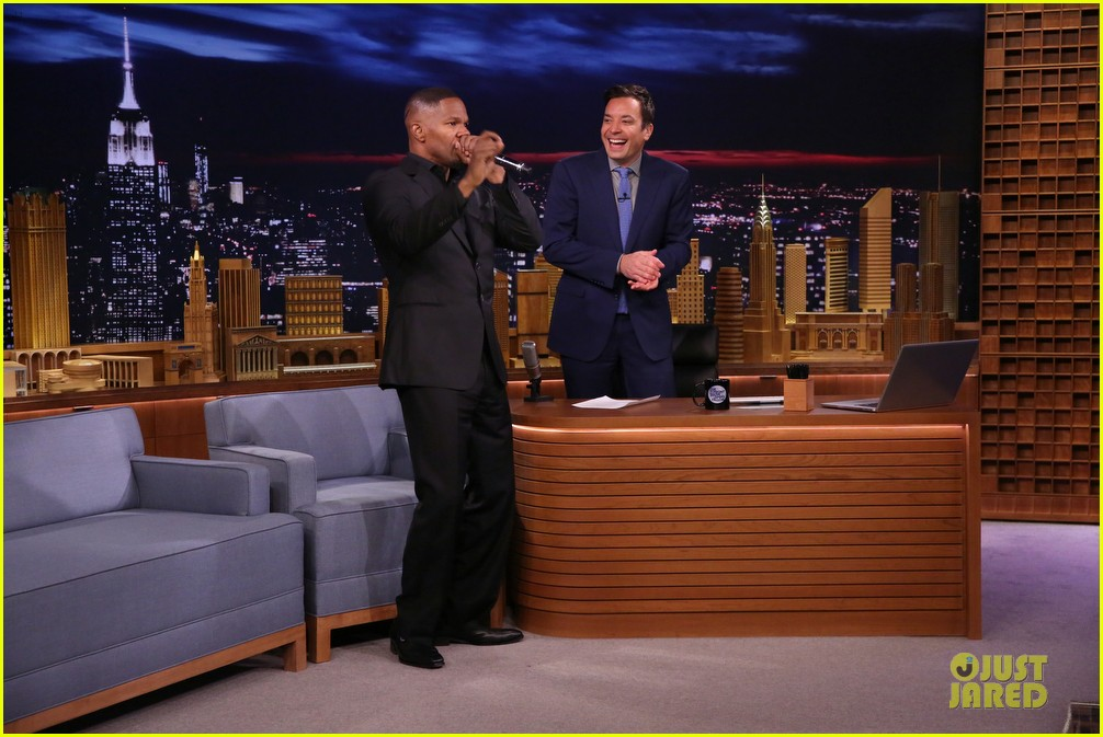 jamie foxx sings unsexy words song watch now 103099606