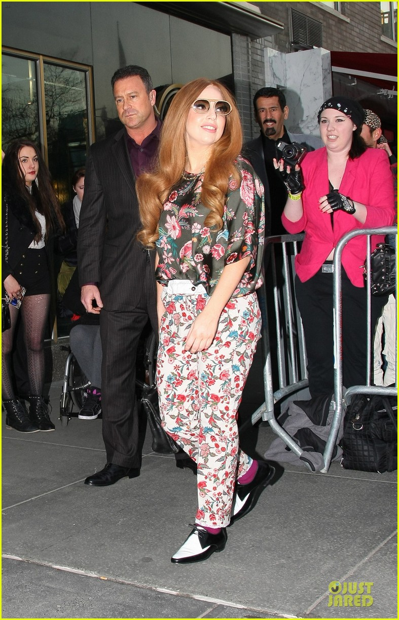 lady gaga pretty as flower on april fool 023083122