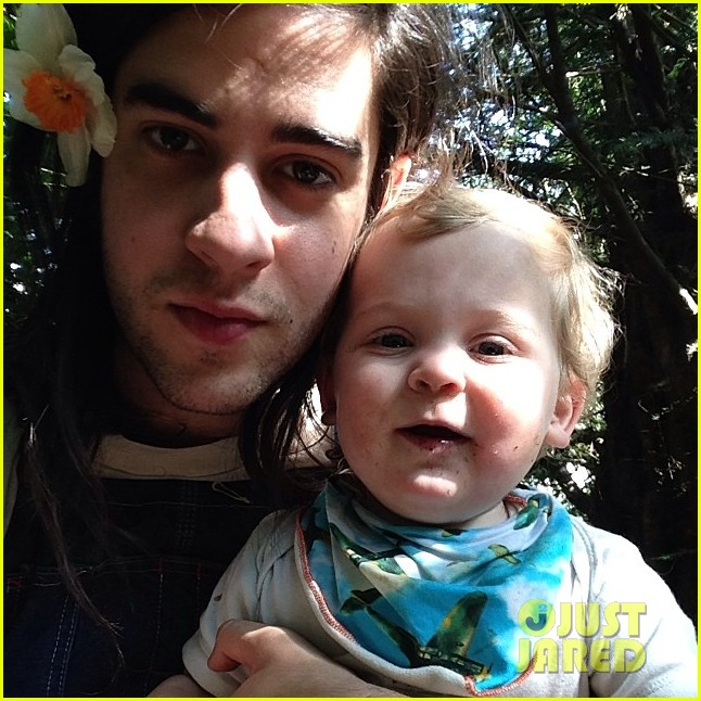peaches geldof adorable moments with kids 02