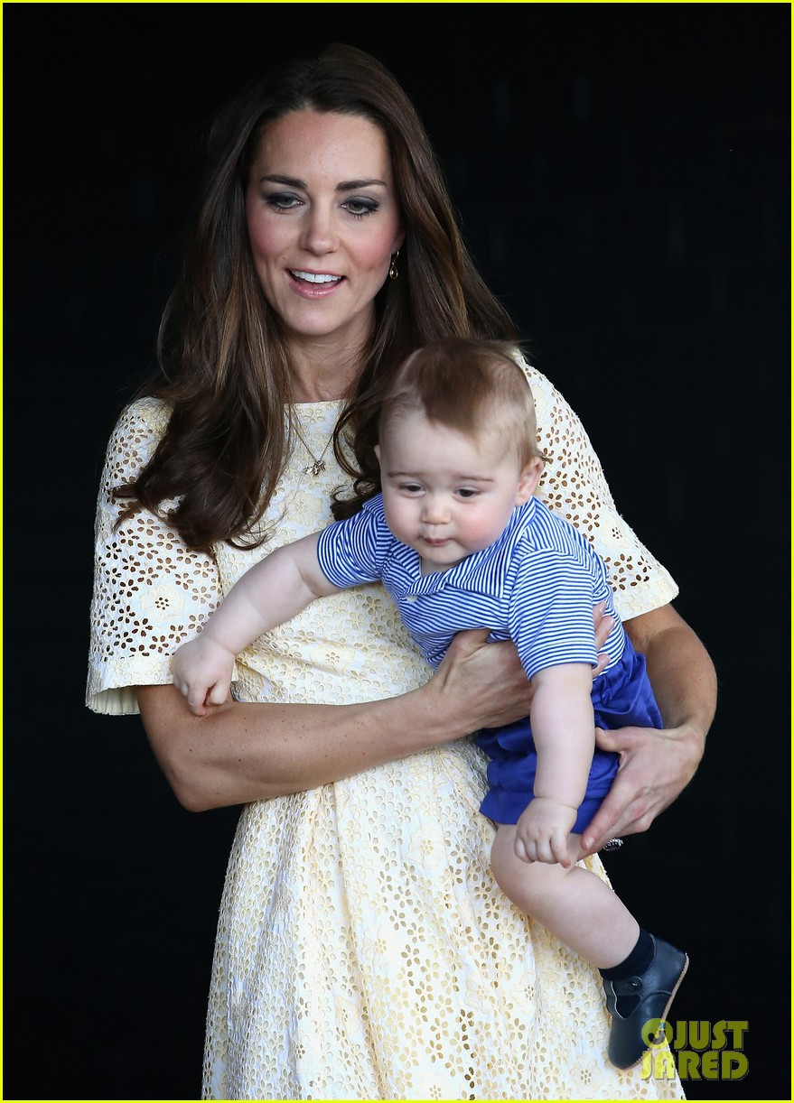 prince george goes to the zoo kate middleton prince william 213095522