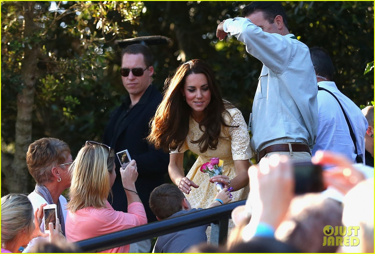 prince george goes to the zoo kate middleton prince william 32