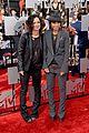 sara gilbert linda perry married couple mtv movie awards 2014 08