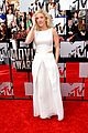 ellie goulding makes our hearts beat on mtv movie awards 2014 red carpet 03