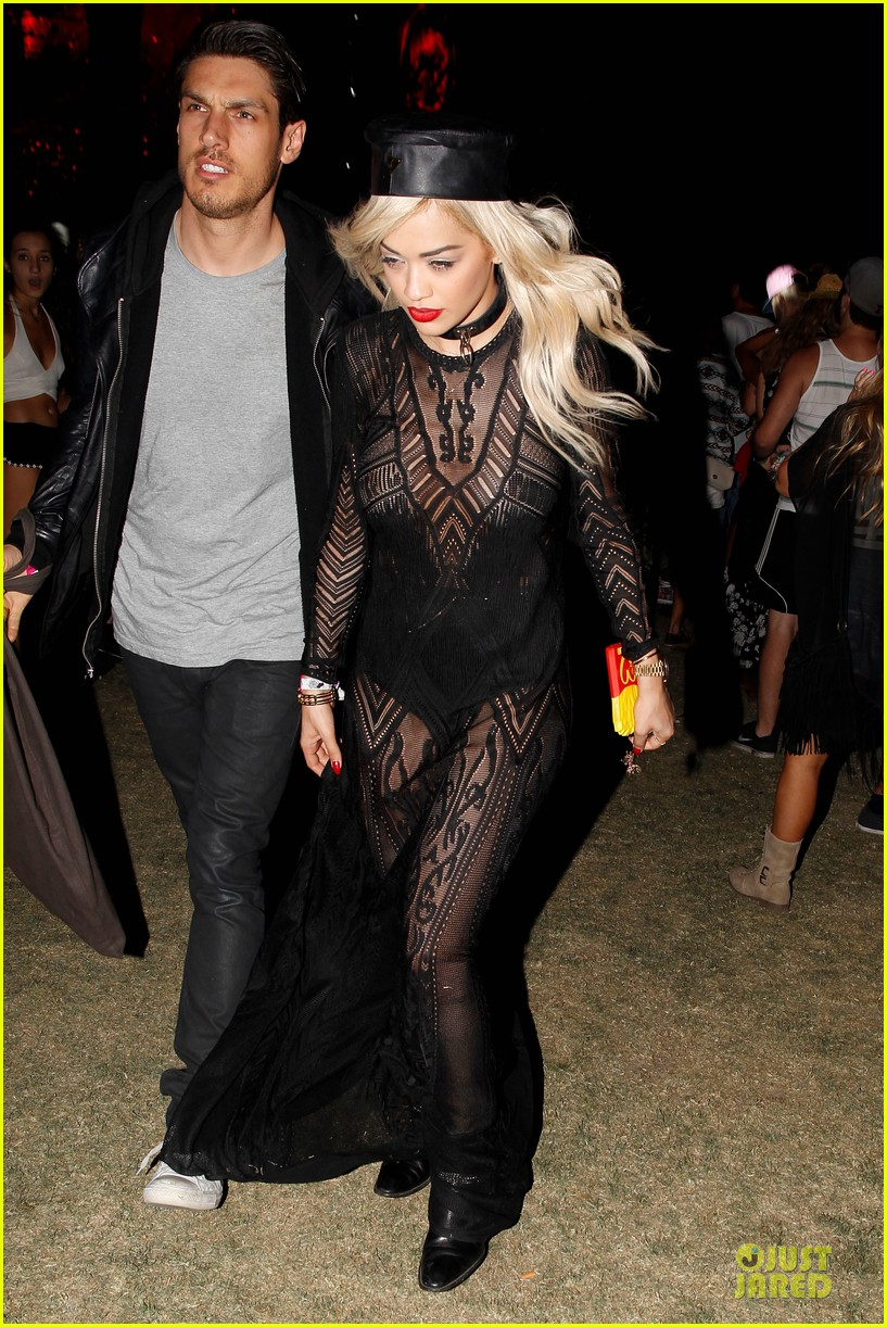 ellie goulding rita ora hang out at coachella 033089605