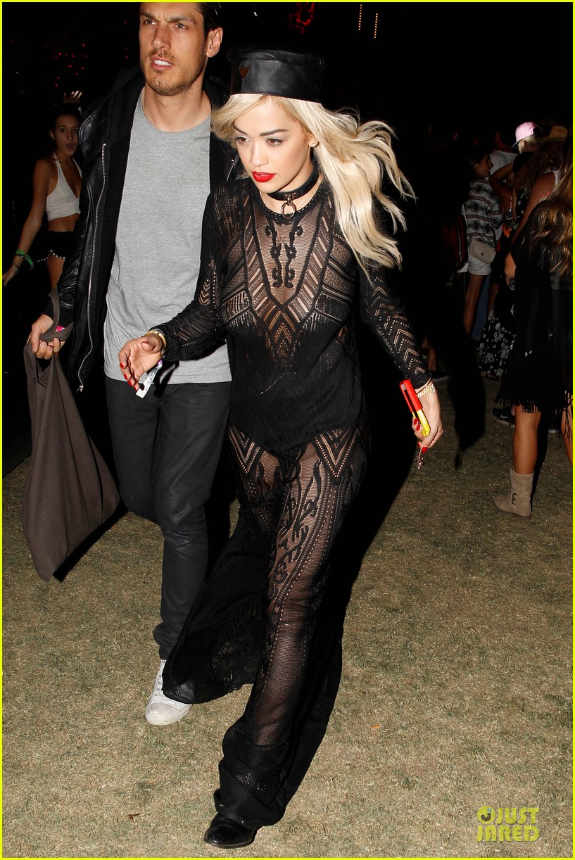 ellie goulding rita ora hang out at coachella 14