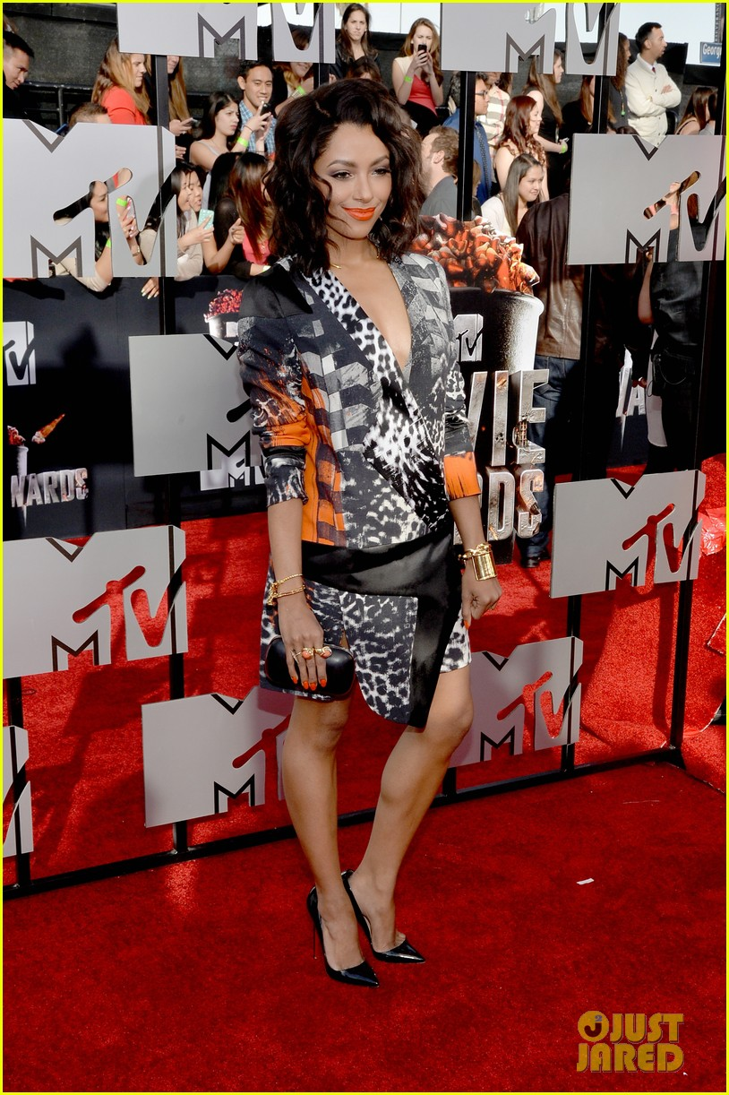kat graham printed beauty at mtv movie awards 2014 red carpet 023091276