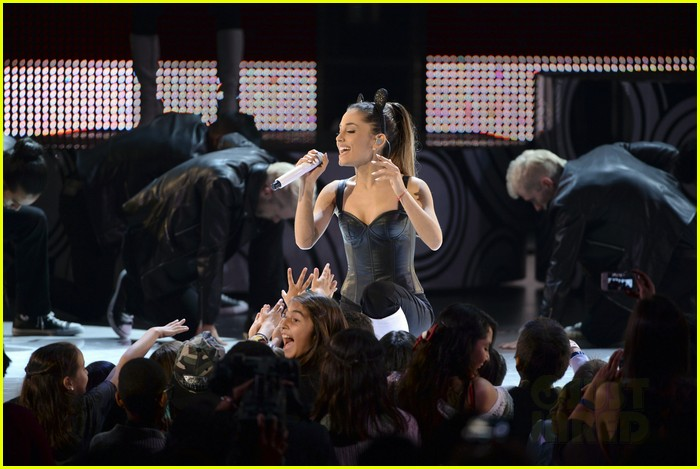 ariana grande radio disney music awards 2014 04