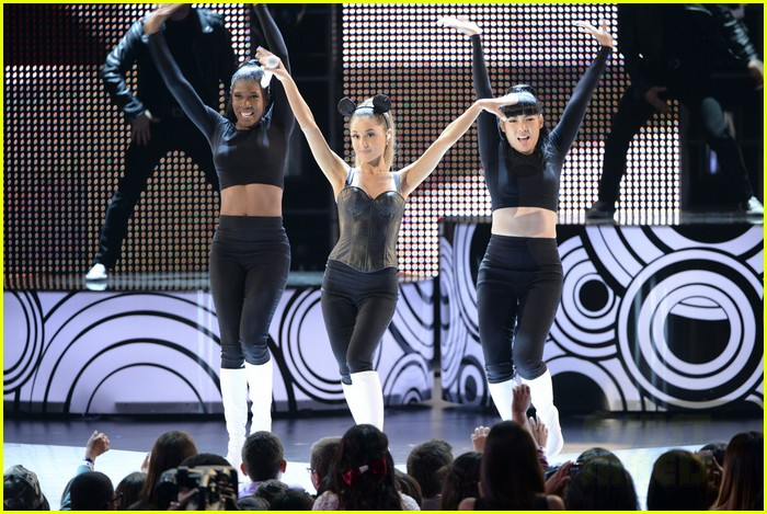 ariana grande radio disney music awards 2014 053099826