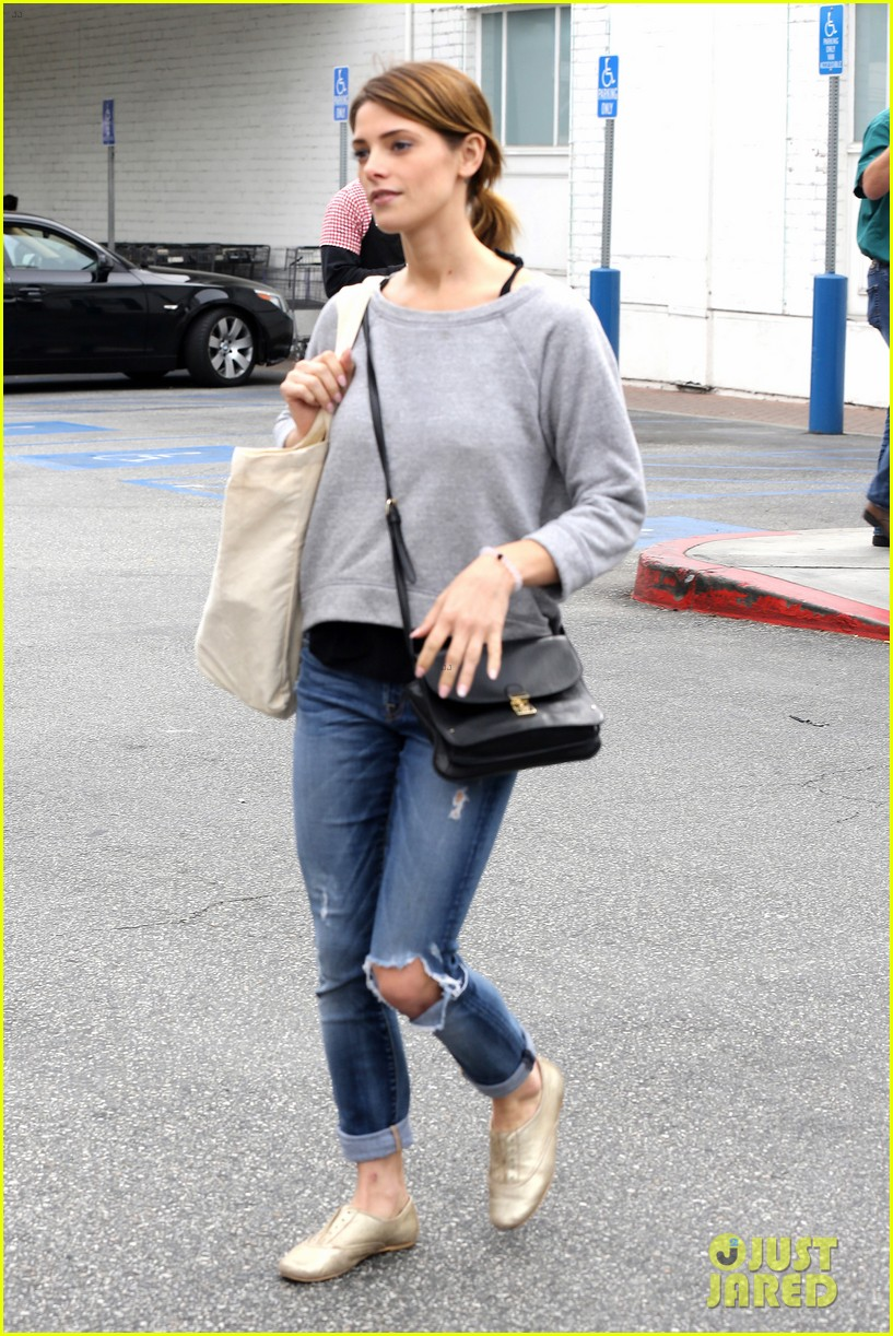 ashley greene spends weekend with mother michele 11