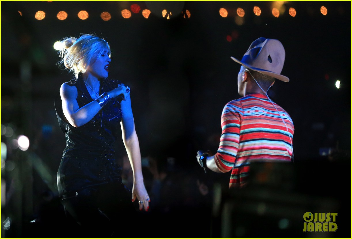 gwen stefani hollaback girl pharrell williams coachella video 03