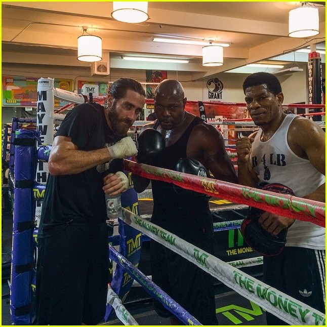 jake gyllenhaal shirtless boxing vegas 053092832