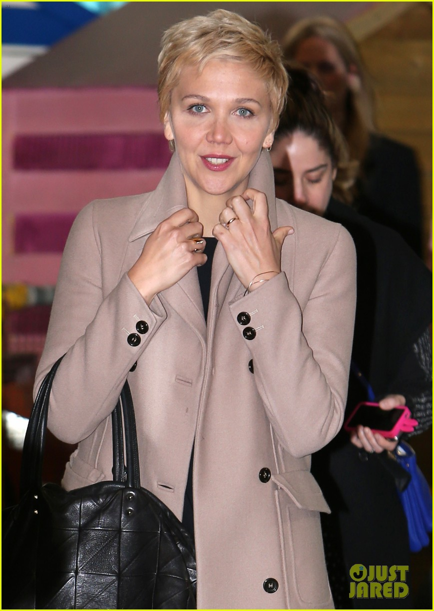 were loving maggie gyllenhaal blonde pixie haircut 063088944