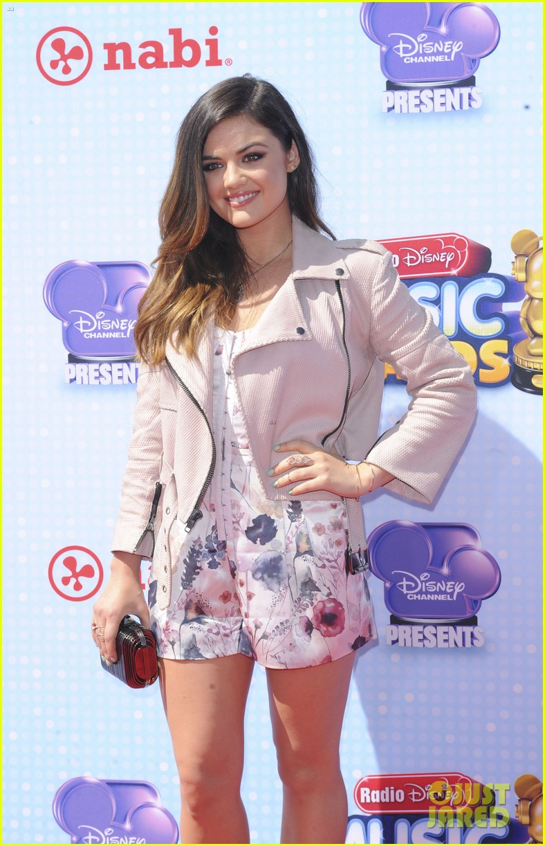 lucy hale radio disney music awards 2014 073099909