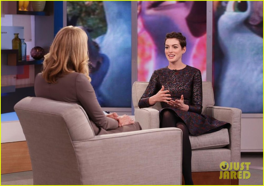 anne hathaway envies kate middleton 04