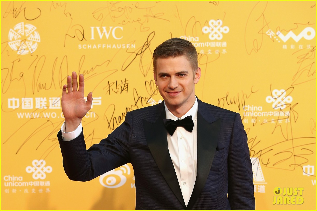 hayden christensen looks so handsome in tuxedo beijing film festival 05