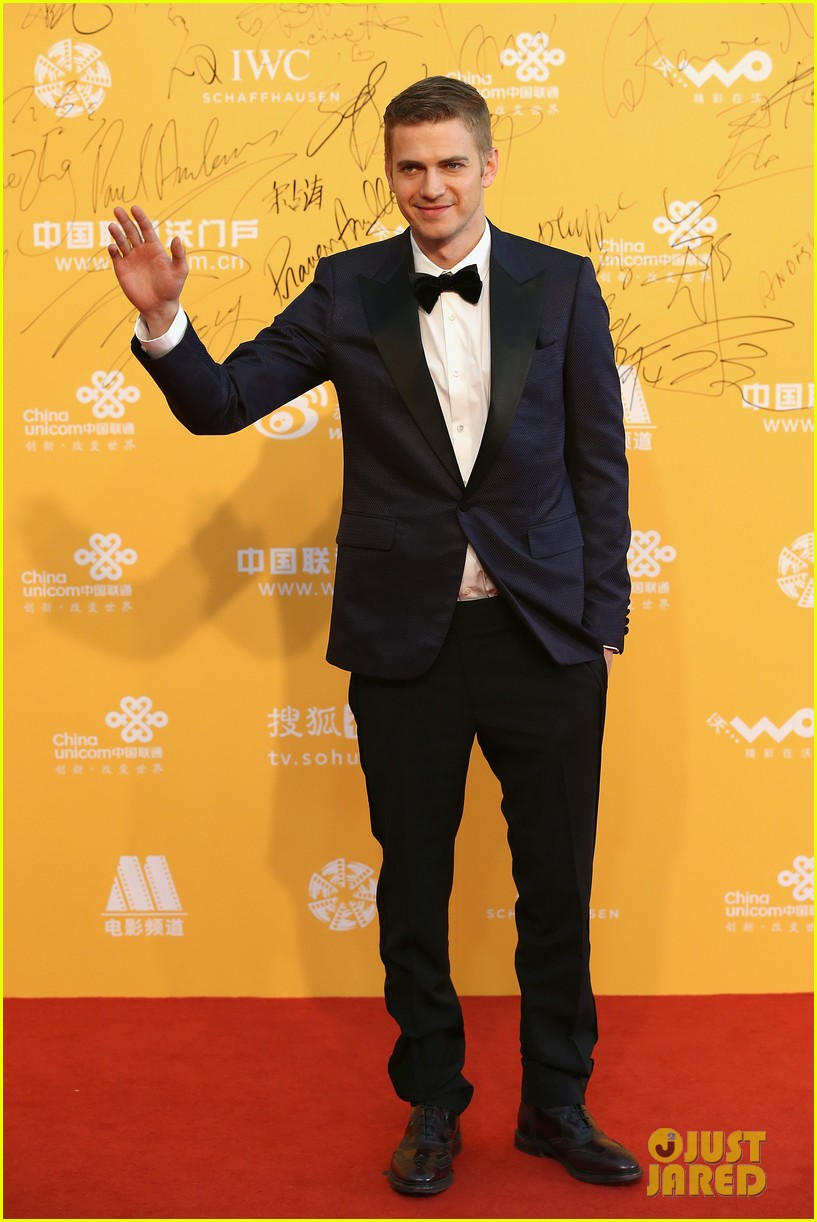 hayden christensen looks so handsome in tuxedo beijing film festival 083093754