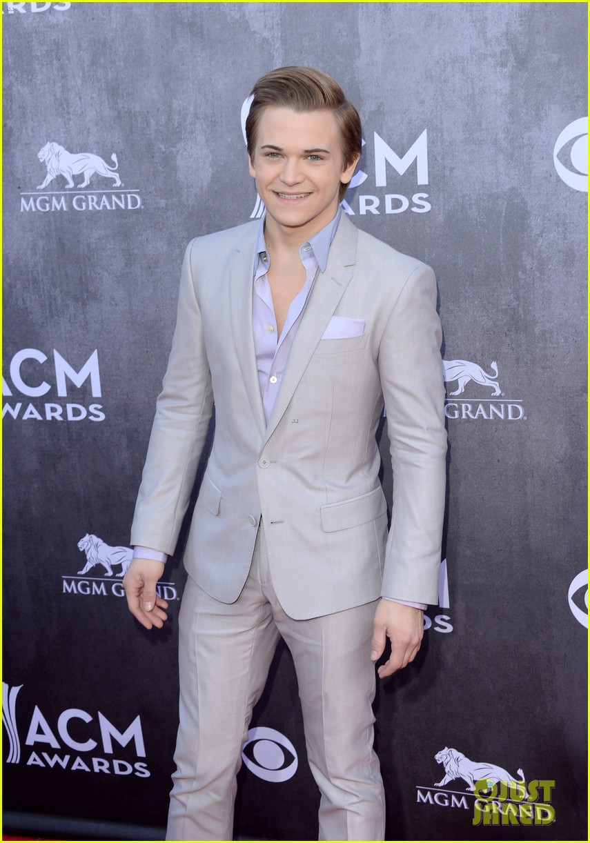 hunter hayes acm awards 2014 red carpet 06