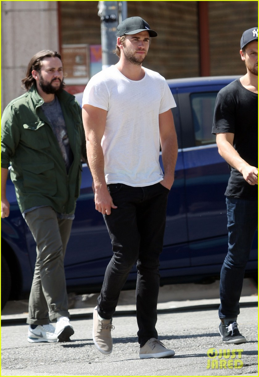 liam hemsworth emerges and he is looking fit 07