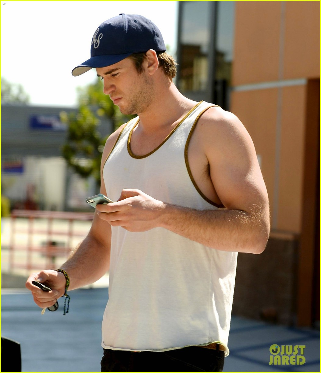 liam hemsworth buff biceps display tank top 053085412