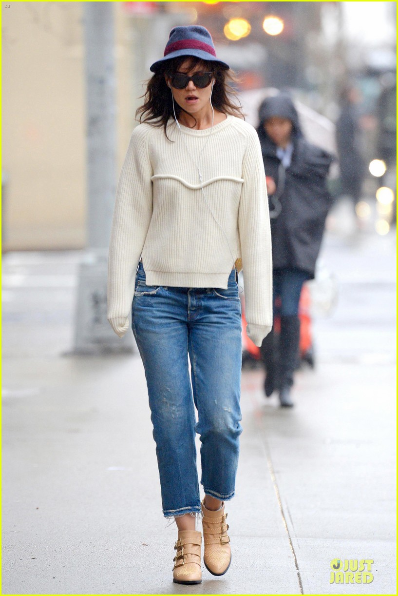katie holmes music to get away from dangerous liaisons 05