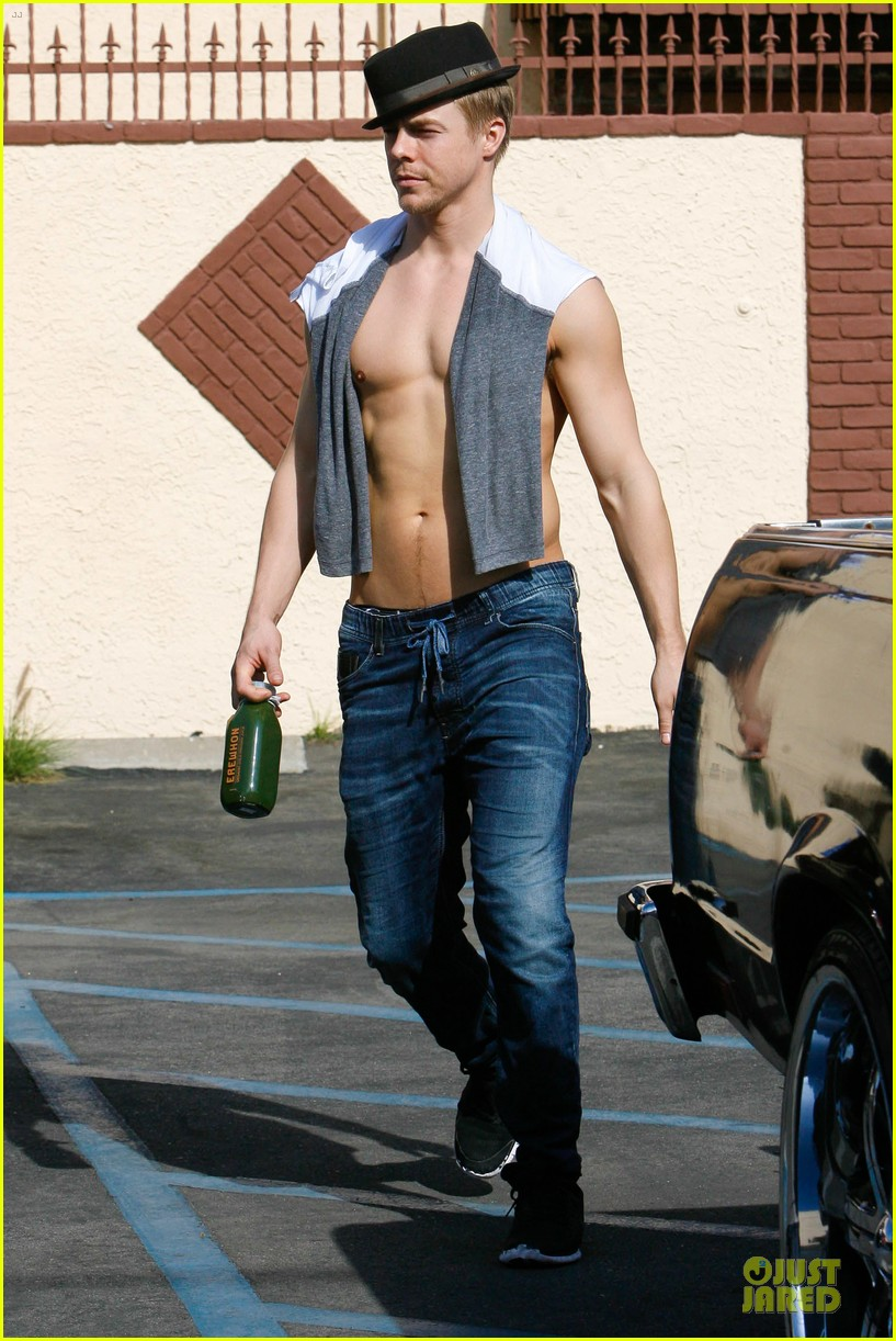 derek hough shirtless body reason why you should dance 01