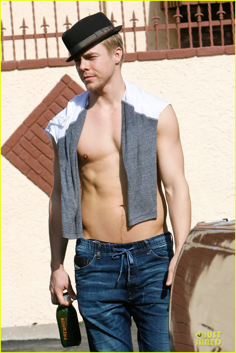 derek hough shirtless body reason why you should dance 09