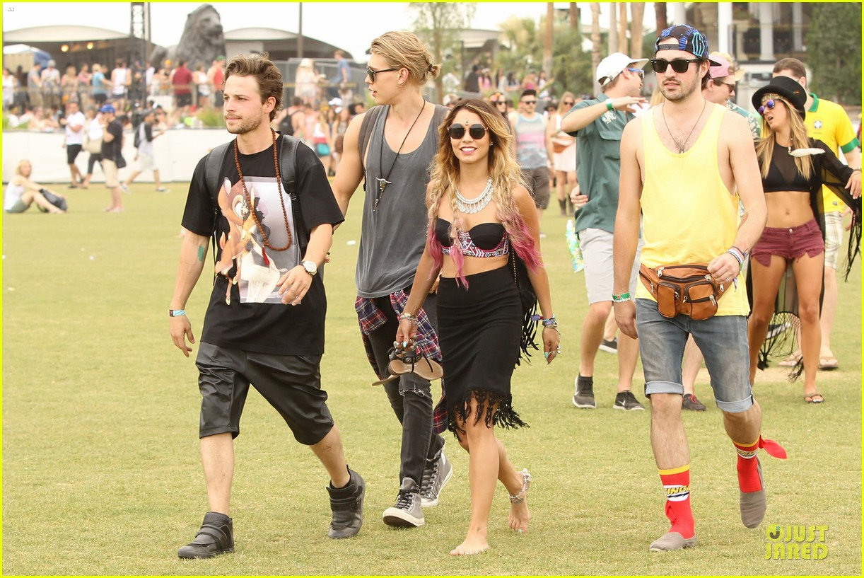 vanessa hudgens austin butler couldnt get enough of coachella 10