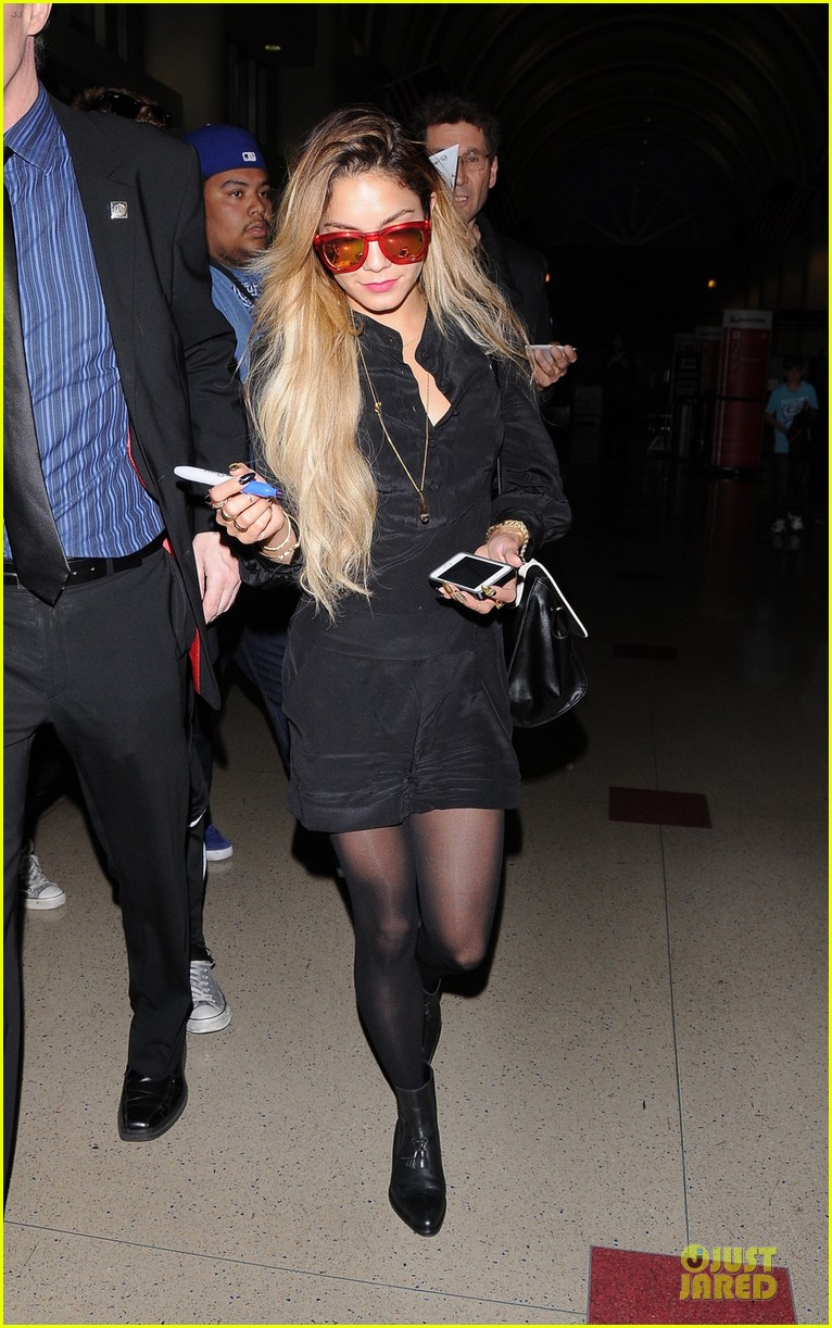 vanessa hudgens sunglasses red at lax airport 01