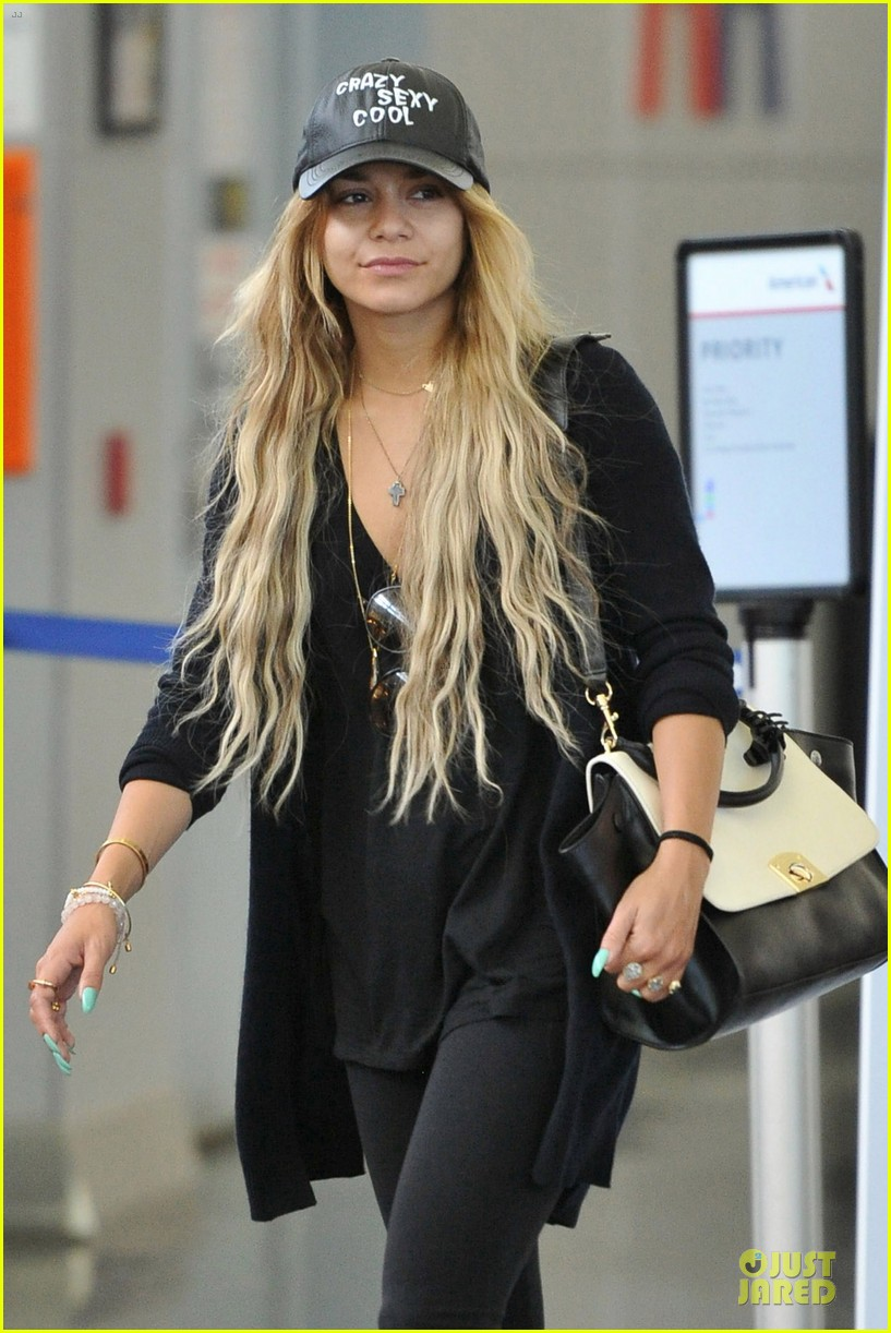 vanessa hudgens sunglasses red at lax airport 043099545