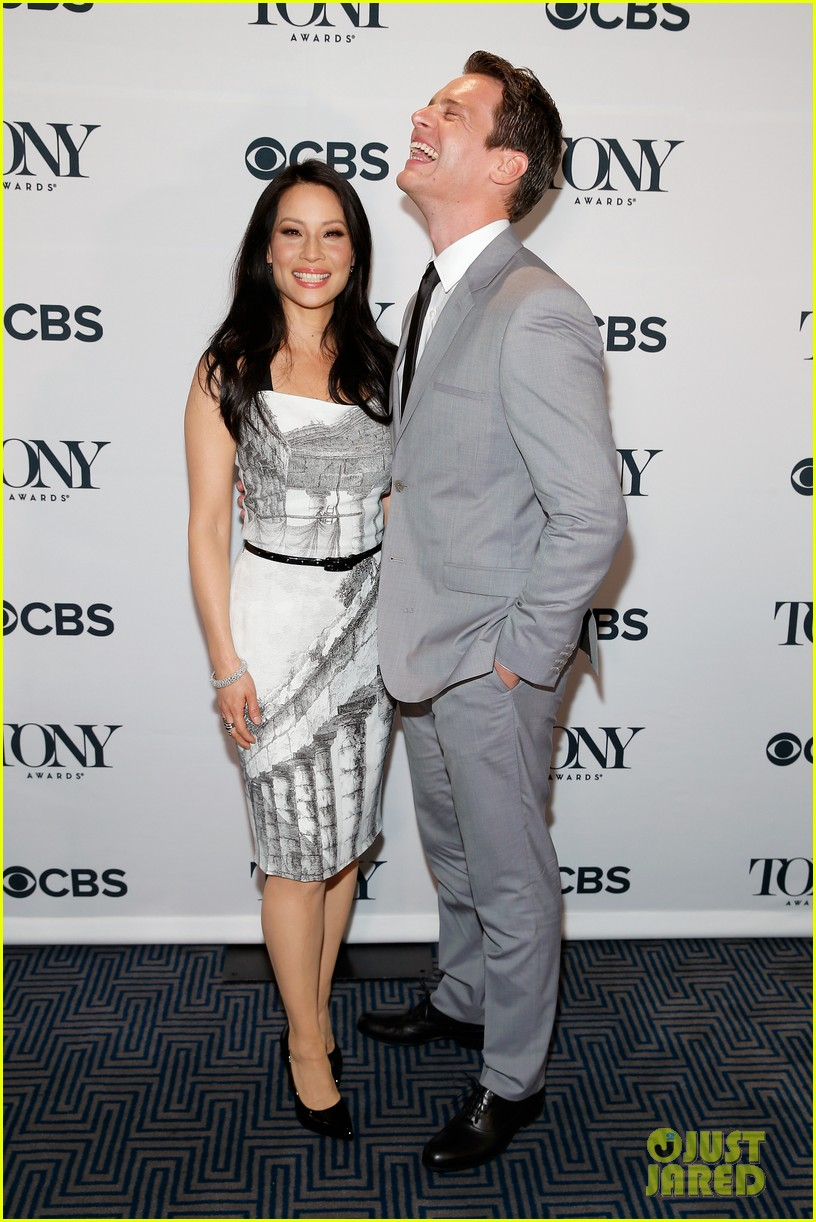 hugh jackman surprises jonathan groff lucy liu at tony awards announcements 023101563