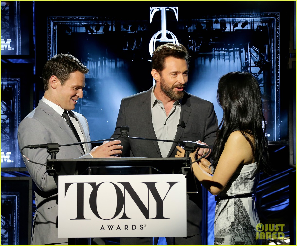 hugh jackman surprises jonathan groff lucy liu at tony awards announcements 123101573