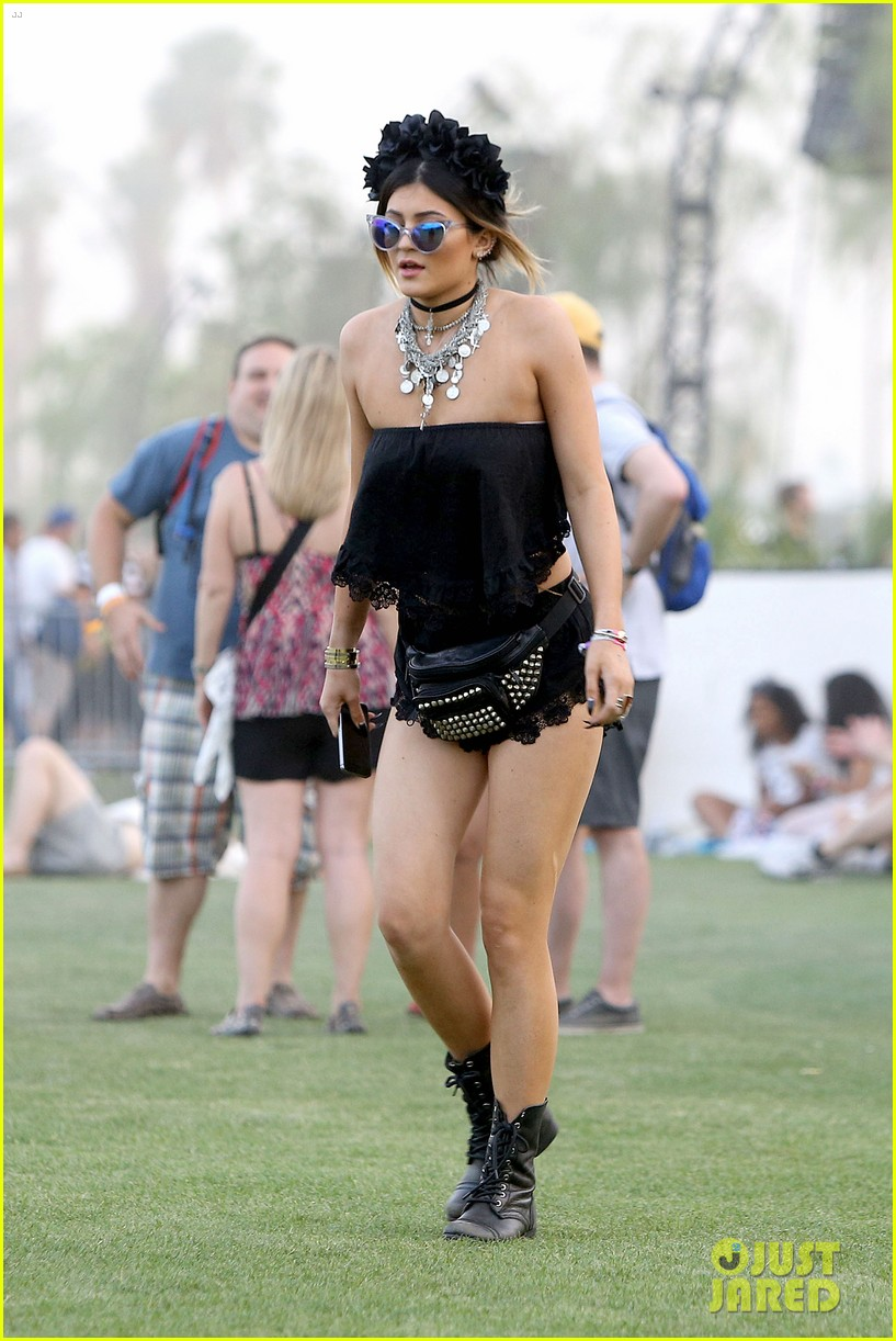 kendall kylie jenner went all out with coachella outfits 26