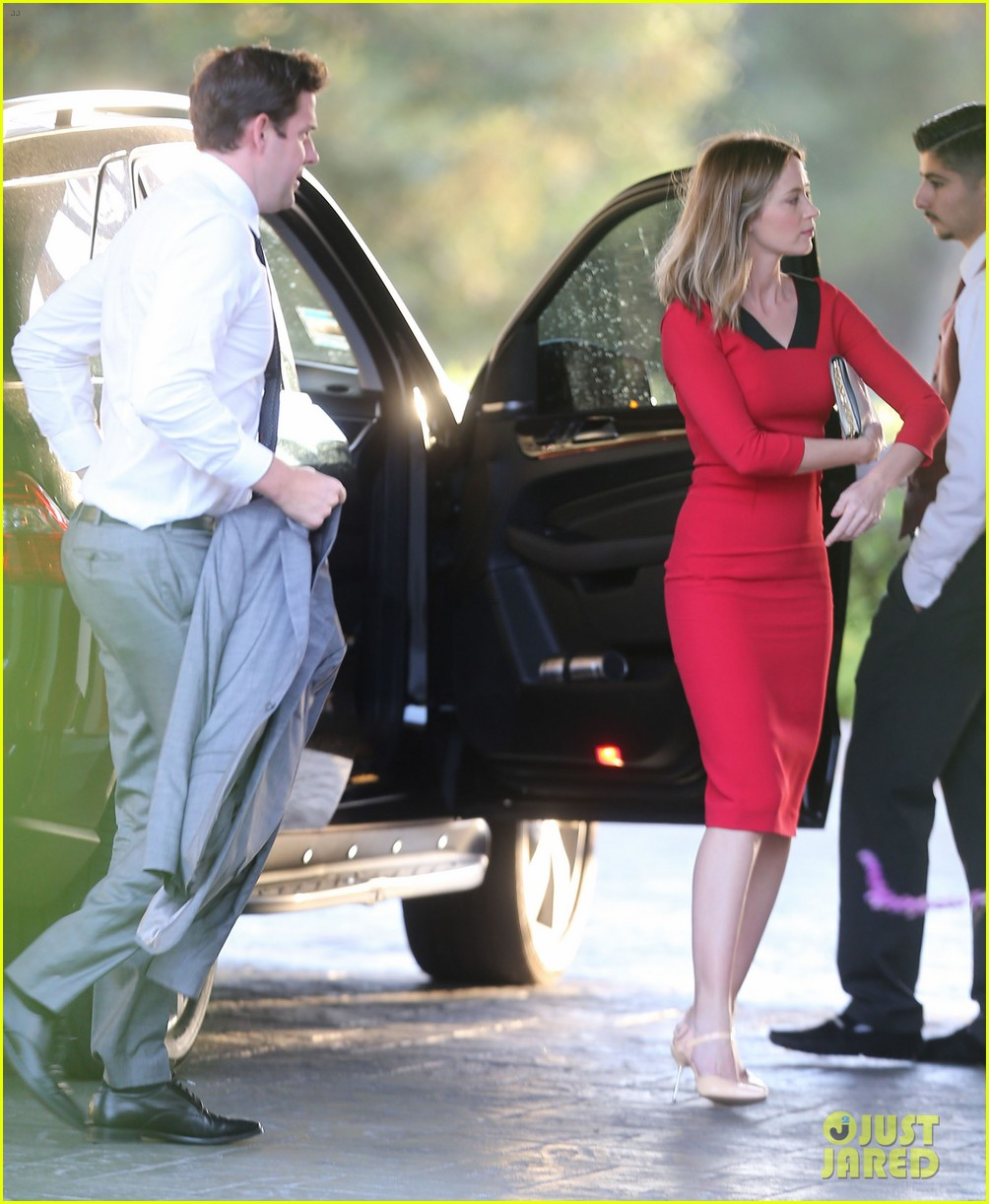 john krasinski emily blunt the office brian baumgartner wedding 163100244