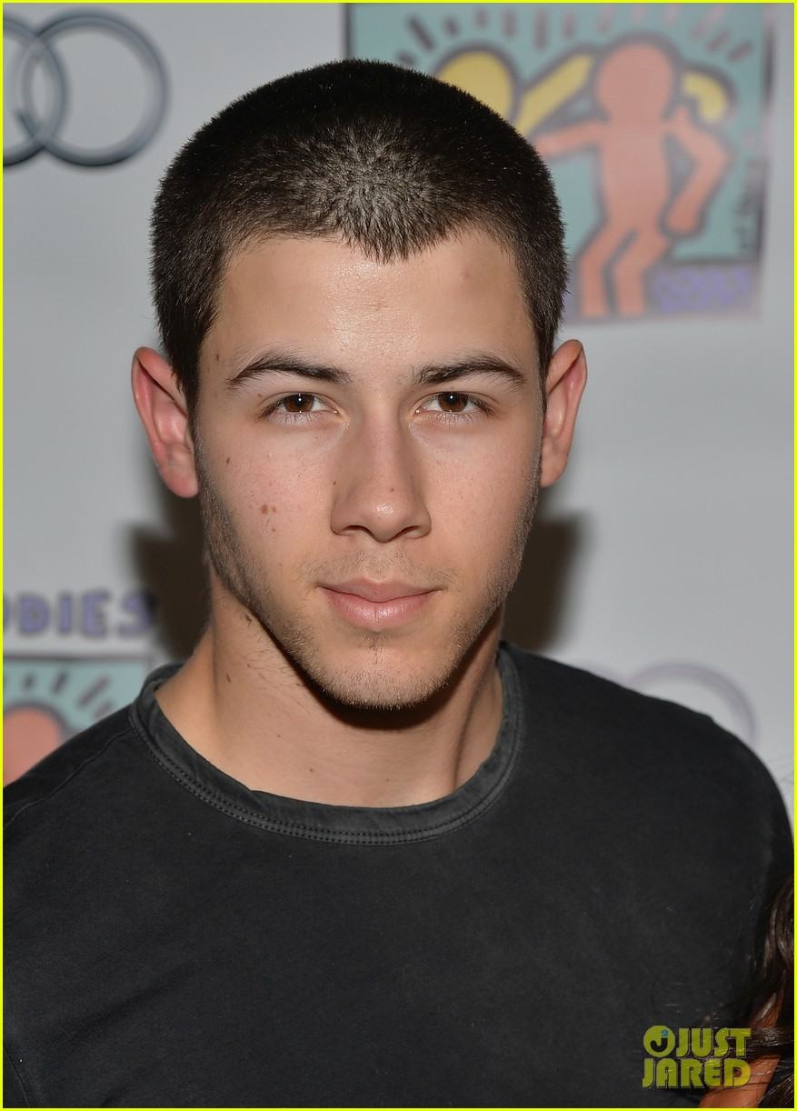 nick jonas girlfriend olivia culpo make one cute couple at best buddies bowling 05