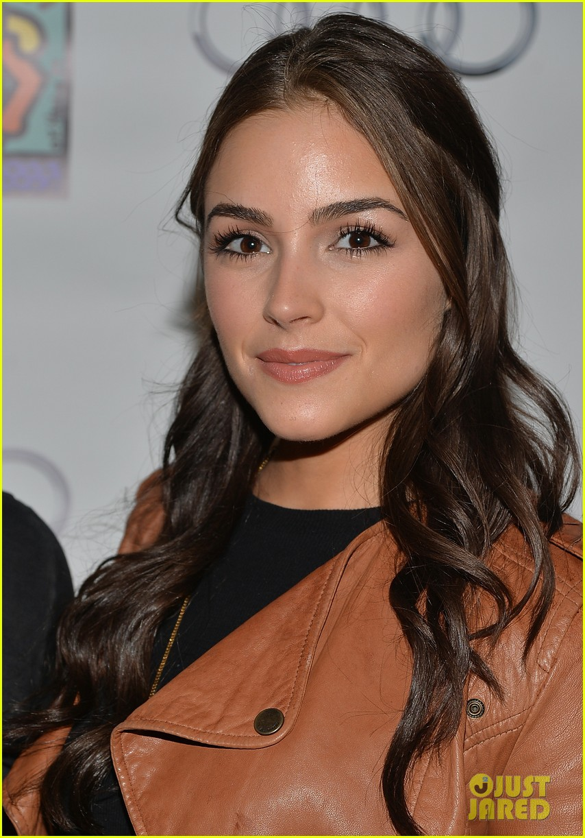nick jonas girlfriend olivia culpo make one cute couple at best buddies bowling 133100587